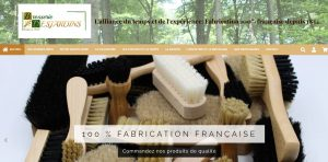 Site réalisé par Célinform@tique – Les Brosseries Desjardins – Vente de brosse à chaussure, brosse pour l'armurerie, l'industrie etc… Made in France.